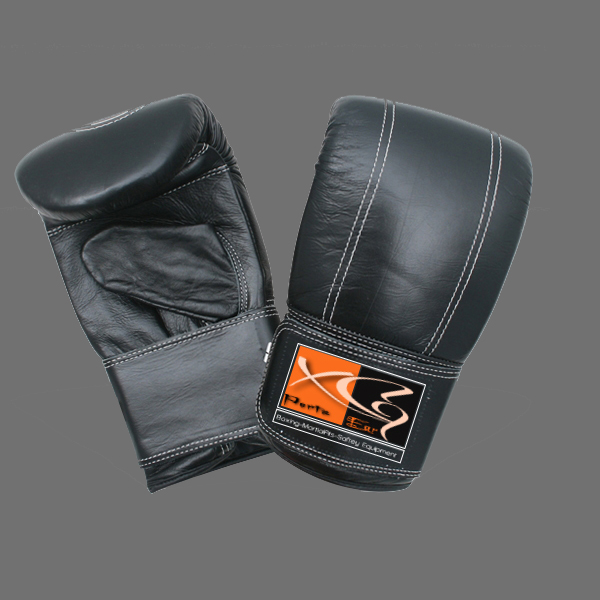 Bag Mitts-XG 16 Bag Mitts made of cowhide leather with upside stitching. Inside high density foam, latex, cuff with full velcro strap